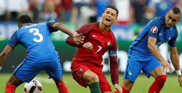 פאייה ואברה מול רונאלדו בגמר יורו 2016 (רויטרס)