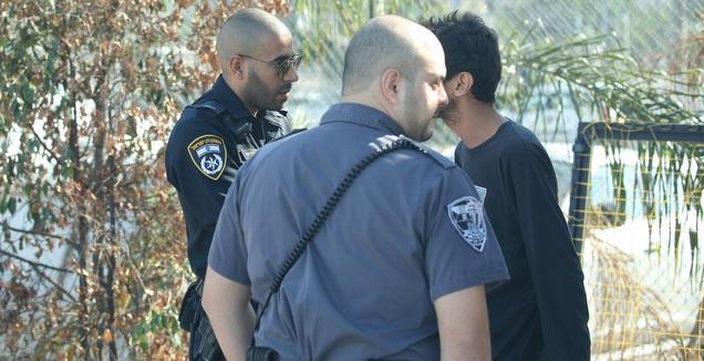 שוטרים במשחק האימון של הפועל ת''א (שחר גרוס)