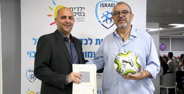 ירון בראון, מנכ״ל עמותת ילדים בסיכוי ורתם קמר, מנכ&qout;ל התאחדות הכדורגל בישראל (איילה יגלניק) (מערכת ON