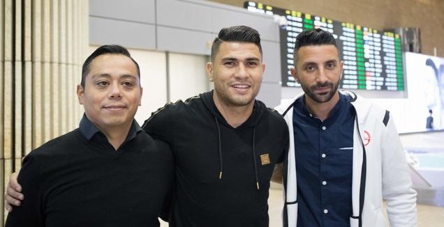 פאוליניו עם אביתר אילוז אחרי הנחיתה (דן יידוב)
