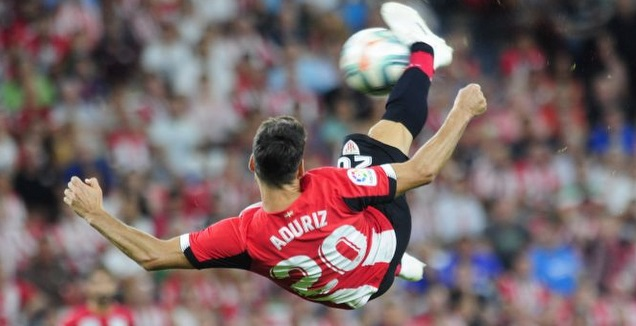 אריץ אדוריס מתעופף מול בארסה. רגע גדול (La Liga)