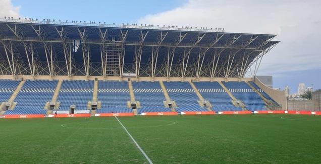 כר הדשא באצטדיון המושבה (מערכת ONE)
