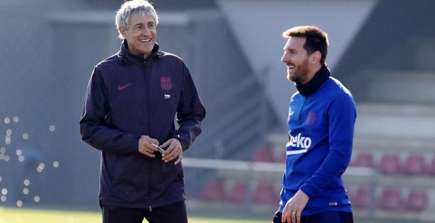 ליאו מסי עם קיקה סטיין (באדיבות האתר הרשמי של ברצלונה)