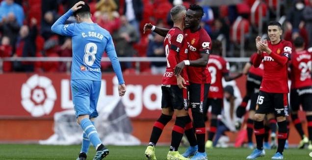 שחקני מיורקה חוגגים, קרלוס סולר מאוכזב (La Liga)