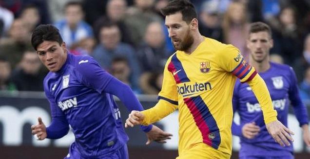 מסי במאבק על הכדור  (La Liga)