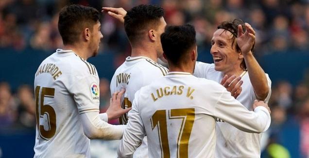 לוקה מודריץ' חוגג עם לוקה יוביץ' (La Liga)