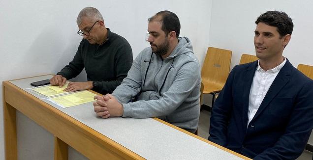 בן דב, גבריאל  ועו&qout;ד בן אסא (עמית קרקו)