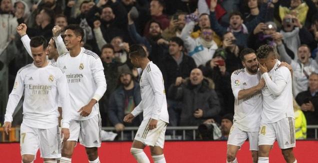 שחקני ריאל מדריד חוגגים עם מריאנו, שמזיל דמעה (La Liga)
