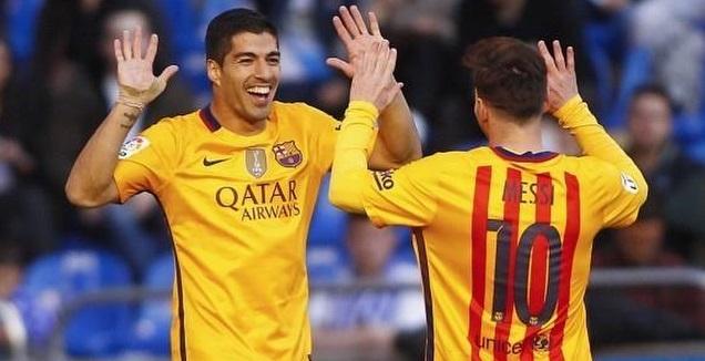מסי וסוארס חוגגים ב-2016 (La Liga)