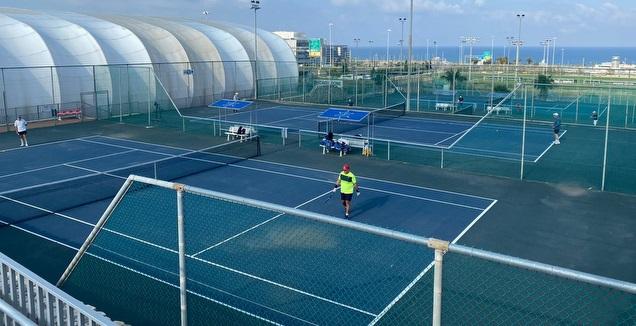 מרכז הטניס והחינוך בחיפה (לילו צרפתי)