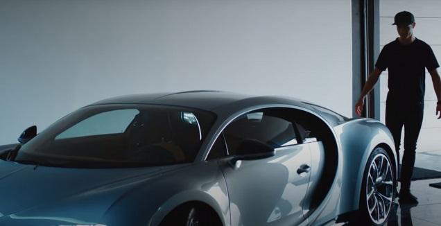 רונאלדו וה-Bugatti Chiron (צ