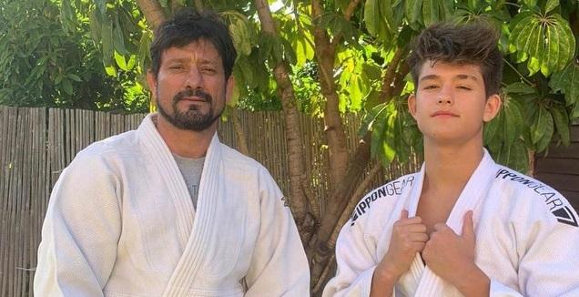 אורן סמדג'ה עם בנו רום (מכון וינגייט)