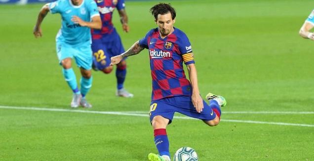 מסי בועט את הפנדלn (La Liga)