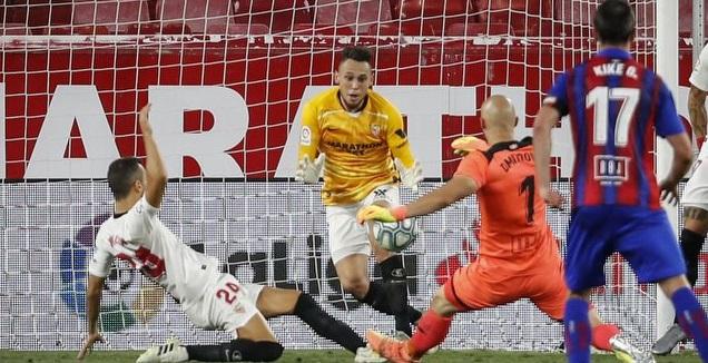 לוקאס אוקאמפוס מציל מול דמיטרוביץ' (La Liga)