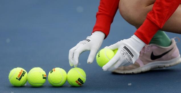 כדורי טניס (רויטרס)