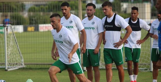 שחקני מכבי חיפה במחנה האימונים (האתר הרשמי של מכבי חיפה)