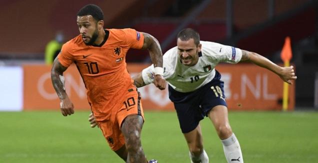 ממפיס דפאיי במדי נבחרת הולנד (רויטרס)