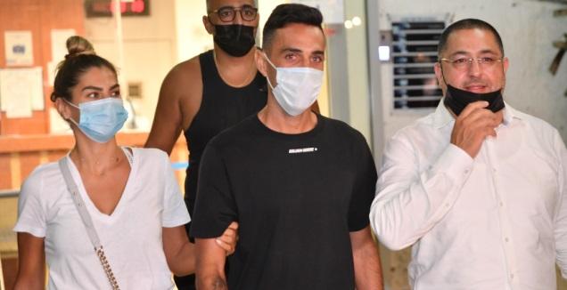 ערן זהבי יוצא מתחנת המשטרה (חגי מיכאלי)