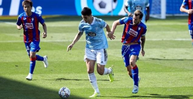 סרג'י אנריק במאבק על הכדור (La Liga)
