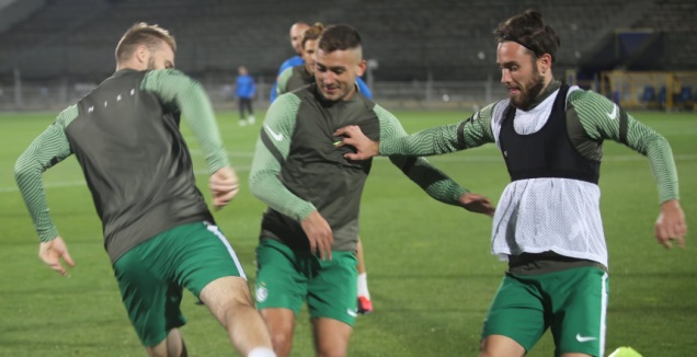 שחקני מכבי חיפה ברוסטוב (האתר הרשמי של מכבי חיפה)