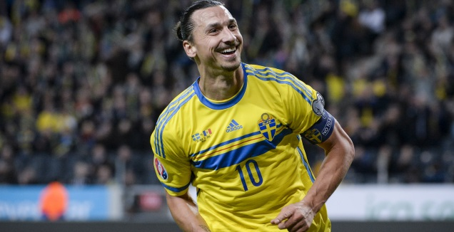זלאטן איברהימוביץ' במדי נבחרת שבדיה (רויטרס)