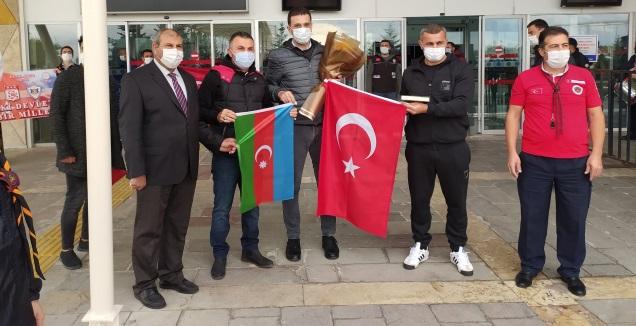 קבלת הפנים בטורקיה (הטוויטר של קרבאח)