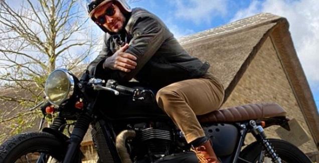 דייוויד בקהאם והאופנוע שלו. עכשיו מותר (אינסטגרם)