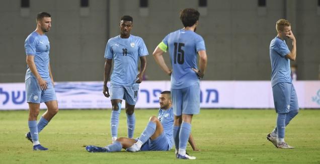 שחקני הנבחרת הצעירה מאוכזבים (נעם מורנו)