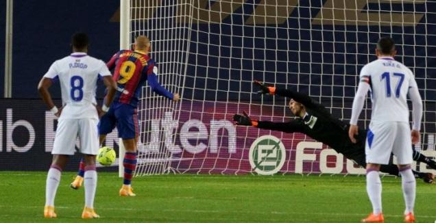 מרטין בריית'ווייט מחמיץ (La Liga)