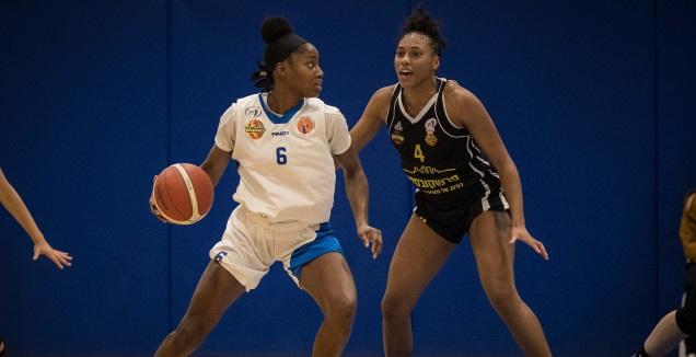 קיילה צ'ראלס (מנהלת הליגות בכדורסל נשים)
