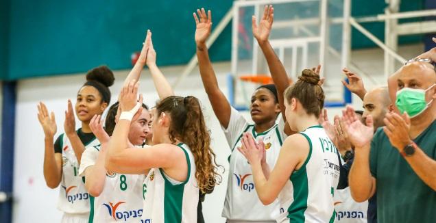 שחקניות מכבי חיפה (באדיבות מנהלת ליגת העל לנשים בכדורסל) (מערכת ONE)