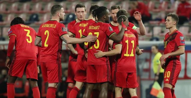 שחקני נבחרת בלגיה חוגגים (רויטרס)
