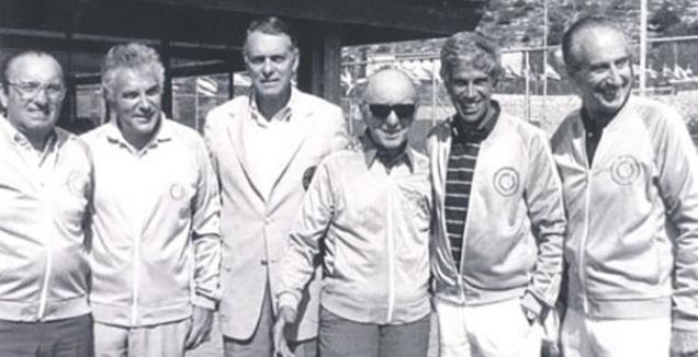 רובי ג'וזף וד&qout;ר איאן פרומן, בחנוכת מרכז הטניס והחינוך ברמת השרון (ארכיון מרכזי הטניס והחינוך בישראל)