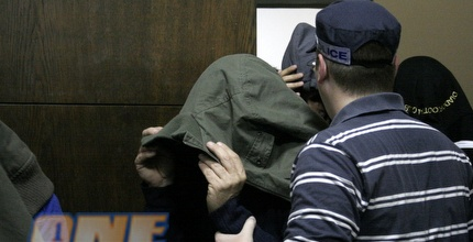 אחד החשודים במהלך דיון בבית המשפט (מתן להב)