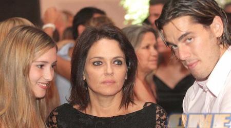 כהן עם האישה יעל ואמא דורית