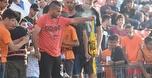 אוהדי בני יהודה שרפו חולצה של מכבי באימון