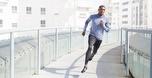 לפני המרתון: אדידס עם נעלי ריצה ללא שרוכים