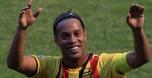 רונאלדיניו פרש רשמית מכדורגל בגיל 37