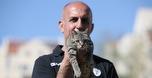 """בית""""ר מציגה: החתולה שהפכה לקמע של המועדון"""