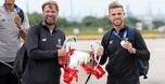 ליברפול נחתה עם הגביע: מביאים אותו הביתה