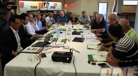 ישיבת הוועדה עם אנשי מכבי חיפה (עמית מצפה)