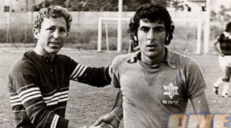 שמעון שנהר (משמאל). קונסול של כבוד (האתר הרשמי של מכבי חיפה)