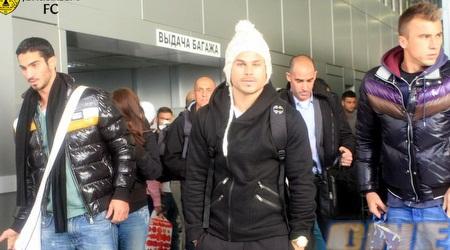 קובי מויאל ביציאה מהנמל התעופה בגרוזני (האתר הרשמי)