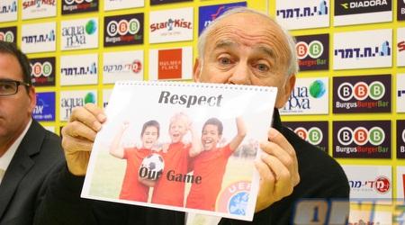 מוטל´ה שפיגלר מראה מה הבעיה של הכדורגל הישראלי (משה חרמון)