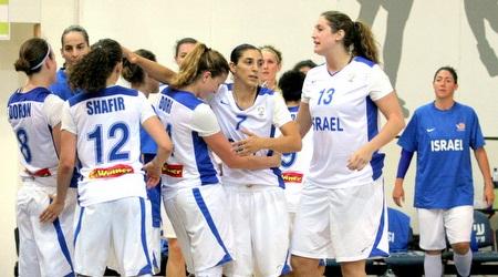 בנות נבחרת ישראל מאושרות (משה חרמון)