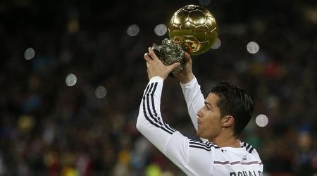 רונאלדו מקבל את כדור הזהב (רויטרס)