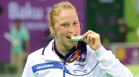 אילנה קרטיש עם המדליה (הוועד האולימפי בישראל)