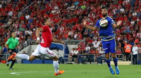 בן בסט משתלט על הכדור (רדאד ג´בארה)