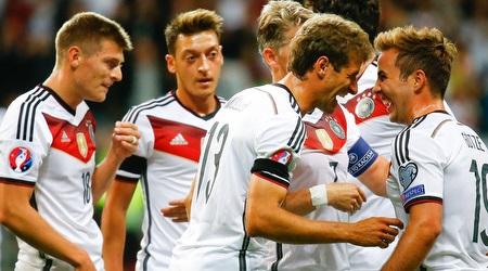 שחקני גרמניה. פער של עשור או יותר מזה? (רויטרס)
