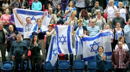 אוהדי נבחרת ישראל. יזכו לראות את בריטניה בארץ (משה חרמון)